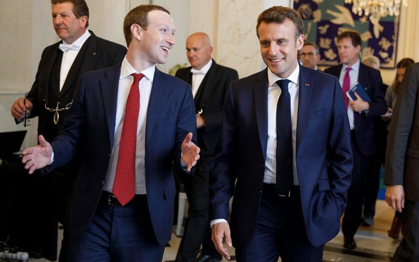 Mark Zuckerberg et le président Français Emmanuel Macron lors d'un rendez-vous à l'Elysée en mai 2019
