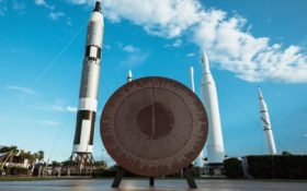"Des navettes spatiales sur la base ""Spaceport America"" de Virgin Galactic"